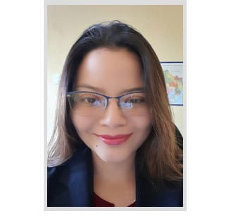 Karen Tapia Headshot